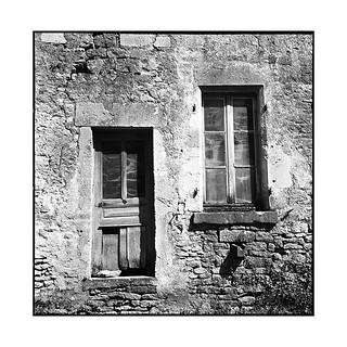 facade • vezelay, burgundy • 2016