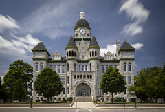 Jasper County Courthouse (Notley Hawkins) Tags: court courthouse architecture carthagemissouri jaspercountymissouri jaspercountycourthouse missouri outdoor building httpwwwnotleyhawkinscom notleyhawkinsphotography notley notleyhawkins 10thavenue route66 facade nisi nd ndfilter 6stop 2018 june clouds sky cloudysky neutraldensity tiltshiftlens