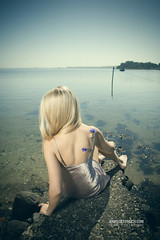Lost Dreams (check4newton) Tags: water blue fjord profoto flash dreams silk nightmare ef 2470mm meer wasser himmel porträt strand