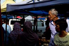 DSCF9579 (lukmanism) Tags: fujifilm helios442 lensturbo2 kualaklawang negerisembilan malaysia streetphotoghraphy silhouette vintagelens pasartani market sunrise muziumadat