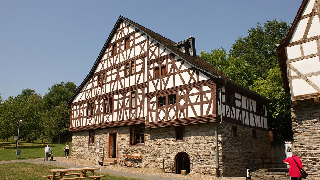 The world 39 s best photos of deutschland and freilichtmuseum for Fachwerk bildung