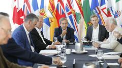 Premiers/premiers ministres meet with Ambassador/rencontrent l'ambassadeur David MacNaughton
