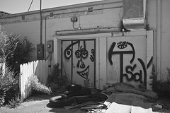 188/365 (local paparazzi (isthmusportrait.com)) Tags: 365project fujix100s fujifilmx100s fujifilmusa fujiusa fuji x100s lopaps pod 2018 redskyrocketman localpaparazzi isthmusportrait black white contrast blackandwhite blanco negro negroyblanco details textures faces madisonwi danecountywisconsin sherman shermanave art graffiti artistry shadows high low texture fence business closed iso200 gritty urbex urban trash tires garbage 23mm fixed prime aperture