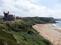 Playa de los Locos,Hotel Castillo de Suances- Cantabria. (Eduardo OrtÍn) Tags: playa hotel acantilado suances cantabria