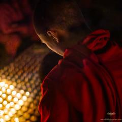 Asia / Nepal / Kathmandu / Boudhanath (Pablo A. Ferrari) Tags: pabloferrariart asia nepal kathmandu valley night noche velas candles woman mujer face rostro retrato portrait boudhanath temple ceremony ceremonia budddhism