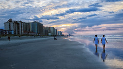 Sunrise On North Myrtle Beach (dorameulman) Tags: dorameulman beach sunrise southcarolina northmyrtlebeach vacation sky clouds storms ocean people haiku canon7dmark11 canon dawn