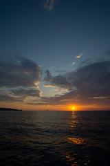 Himmel, Horizont und Meer (Joachim S.) Tags: gegenlicht himmel makani mittelmeer sardinien segeln sonnenaufgang wolken santeodoro sardegna italy it