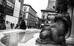 Sirens call (damar47) Tags: bologna street streetphotography citycenter pentax pentaxart pentaxian 21mm wideopen people streetstyle k30 streetlife urban blackandwhite blackwhite bnw biancoenero monotone monoart monochrome emiliaromagna italy italia man sirene sirena statue fontana milk fountain nettuno looking sguardo lightroom adobelightroom lr5 ricohpentax