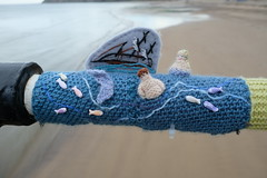 The Little Mermaid (Glass Horse 2017) Tags: saltburn huntcliff sys saltburnyarnstormers yarnbombing knitted crochet wool pier beach figures characters books ajollygoodread 2018 hanschristiananderson thelittlemermaid mermaid prince fairytale shipwreck fishes