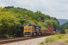 Tiger Lillies (nrvtrains) Tags: intermodal christiansburgdistrict i36 covehollowrd lafayette norfolksouthern unionpacific elliston virginia unitedstates us