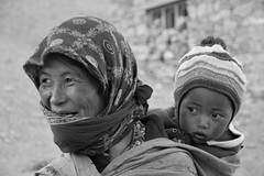 Mother and son (Camilla Siliotti) Tags: mother travel india ladakh people portrait son blackandwhite madre figlio child ritratto persone