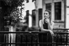Yulia--6 (tag71) Tags: canon 5dmarkiii 85mmf12liiusm portrait femme girl woman sensuel sexy glamour mode beauté modèle extérieur amateur bokeh dof noiretblanc nb blackwhite monochrome urbain urban lille