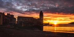 Sunrise in Colliure (ancoay) Tags: collioure esglesia mar sunset sunrise 7dwf sky france francia roussillon sea church église