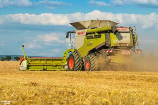 Barley Harvest | CLAAS 770 APS Hybrid Combine Harvester