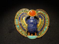 DSC06963 (Akieboy) Tags: tut tutankhamun egypt jewellery gold lapis scarab wings sundisk