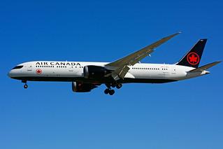 C-FRTU (Air Canada)