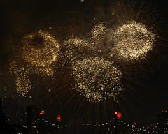 Macys Fireworks NYC 2018-28 (Diacritical) Tags: nikond850 pattern 70200mmf28 20secatf80 july42018 83712pm f80 165mm brooklyn macys4thofjuly fireworks