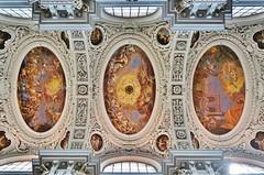 Passauer Dom: Deckengemäde mit Heiliggeistloch - Ceiling painting with the hole for the Holy Spirit (cammino5) Tags: passau dom ststephan deckengemälde heiliggeistloch juni 2018 donausteig bayern deutschland