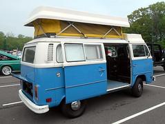 1975 Volkswagen Transporter (splattergraphics) Tags: 1975 volkswagen transporter vw camper rv carshow beersgears delawarepark wilmingtonde