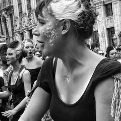 Zinneke [ILL]EGAL ¬ 0739 (Lieven SOETE) Tags: zinneke parade zinnekeparade urban city street public space ciudad ville citta stadt rue calle carrer strada strase straat espace art artistic kunst artistik τέχνη arte искусство feest fiesta fête party performance festival apresentação espetáculo intercultural interculturel diversity mixity mixité diversiteit diversité vielfalt πολυμορφία diversità diversidad çeşitlilik people люди human menschen personnes persone personas umanità young junge joven jeune jóvenes jovem lady woman female 女士 vrouw frau femme mujer mulher donna жена γυναίκα