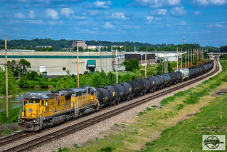 Westbound UP Manifest Train at Riverside, MO