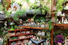 Amana General Store Visit 6-30-18 02 (anothertom) Tags: amanaiowa amanacolonies store amanageneralstore giftshop shopping display gardenornamenttheme littlefigures 2018 sonyrx100v