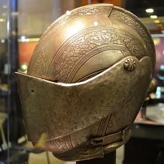 Helmet [Valletta - 28 April 2018] (Doc. Ing.) Tags: 2018 malta square ilbeltvalletta lavalletta valletta metal iron detalhesemferro irondetails museum helmets headgear armour armor armoury grandmasterspalace