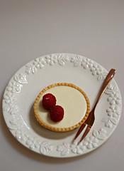 2018 Sydney: Raspberry Tart (dominotic) Tags: 2018 food cake dessert tart raspberrytart whitechocolate fruittart circle yᑌᗰᗰy sydney australia