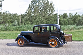 Standard Light Twelve Saloon 1936 (4062)