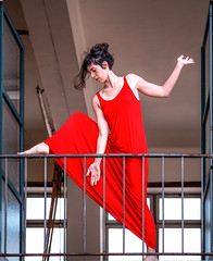 F1248 ~ Sara (Teresa Teixeira) Tags: saramontalvão dancer contemporarydancer performance rehearsal