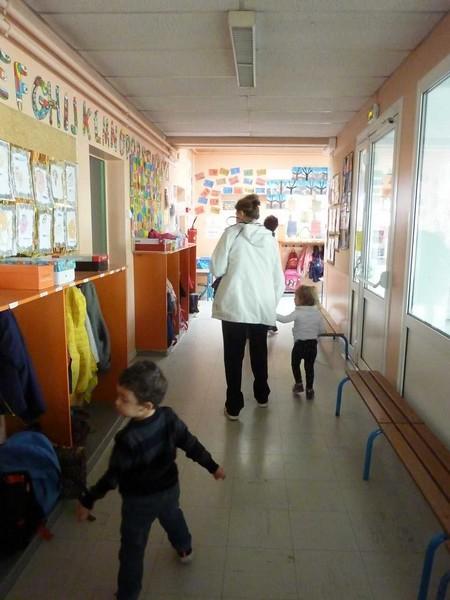 Photo 7 - Les enfants du multi-accueil découvrent l'école