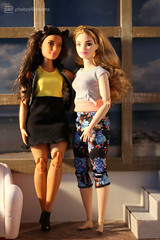 friends forever (photos4dreams) Tags: dress barbie mattel doll toy photos4dreams p4d photos4dreamz barbies girl play fashion fashionistas outfit kleider mode puppenstube tabletopphotography redhead ginger girlpower curvy kurvig madetomove mtm strawberryblonde brianna