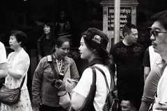 (a└3 X) Tags: street alexander black with blackwithe olympus streetphoto person blackandwithe monochrome streetphotography bw thailand
