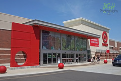 Flashback to PFresh! (Retail Retell) Tags: olive branch ms target retail desoto county 2000s halfbullseye neon t2442 p09 décor store pfresh