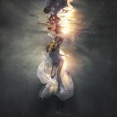 Cher (wesome) Tags: adamattoun underwaterphotography underwaterportrait ikelite