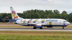 Boeing 737-8HC(WL) TC-SOH SunExpress - Minions Livery (William Musculus) Tags: aircraft spotting airport basel mulhouse freiburg bsl mlh eap lfsb euroairport boeing 7378hcwl tcsoh sunexpress minions livery special scheme 737800