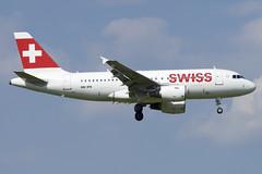 Swiss Airbus A319-112; HB-IPX@ZRH;07.07.2018 (Aero Icarus) Tags: zrh zürichflughafen zürichkloten zurichairport plane avion aircraft flugzeug swissinternationalairlines hbipx airbusa319 21yearoldplane