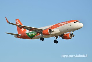 """Special Livery: EZY2153 Easyjet Airbus 320 (G-EZPD)  """"Europcar"""" livery from London Luton arriving at Schiphol Amsterdam"""
