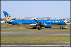 "AIRBUS A350 941 ""Vietnam Airlines"" VN-A893 129 Frankfurt mai 2018 (paulschaller67) Tags: airbus a350 941 vietnamairlines vna893 129 frankfurt mai 2018"