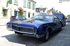 Buick Riviera (Monde-Auto Passion Photos) Tags: voiture vehicule auto automobile buick riviera coupé bleu blue ancienne classique rare rareté sportive france barbizon