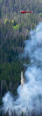 2018-06-29 K3 Colorado (566) (Paul-W) Tags: helicopter n669ac fire wildfire forestfire smoke rockymountainnationalpark 2018 bucket water coloradoriver colorado redhelicopter rope trees mountain burning