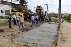 Colocacion de pavimento rígido en la Av. Marcos Aray (gadchone20092014) Tags: colocación pavimento rígido avenida marcosaraydueñas