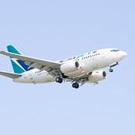 WestJet Boeing 737 Landing at IAH 1806141725 thumbnail