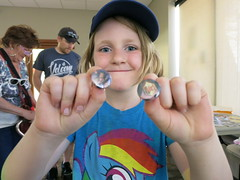 IMG_0204 (Omaha Public Library) Tags: summerreadingprogram florencebranch srp2018 kickoffparty kids artsandcrafts crafts buttons buttonmaking