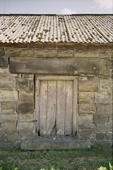 Old Wooden Door (brettjasonlittle) Tags: kodakproimage100 leicam3 sheffield