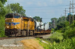 Wind energy on the move... (Charlie Whipp) Tags: union oacific grand blanc mi csx pere marquette