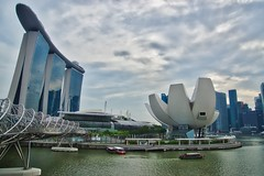 Marina Bay Sands Hotel, Helix Bridge and Arts & Science Museum in Singapore (UweBKK (α 77 on )) Tags: marina bay sands hotel casino helix bridge arts science museum river cbd clouds cloudy sky overcast architecture building singapore southeast asia sony alpha 77 slt dslr