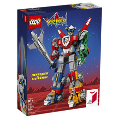 21311 Voltron Front of Box