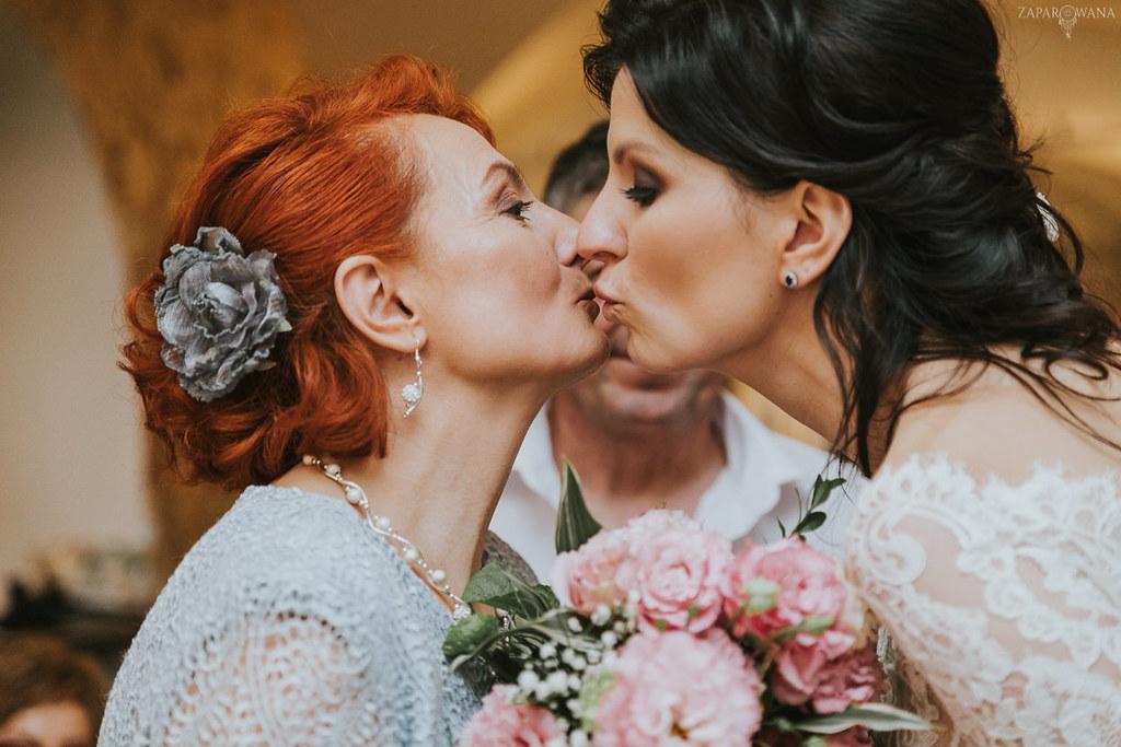 581 - ZAPAROWANA - Kameralny ślub z weselem w Bistro Warszawa