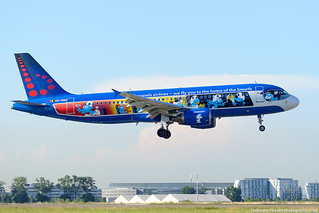 A320 OO-SND BRUSSEL AIRLINES . AEROSMURFS LIVERY